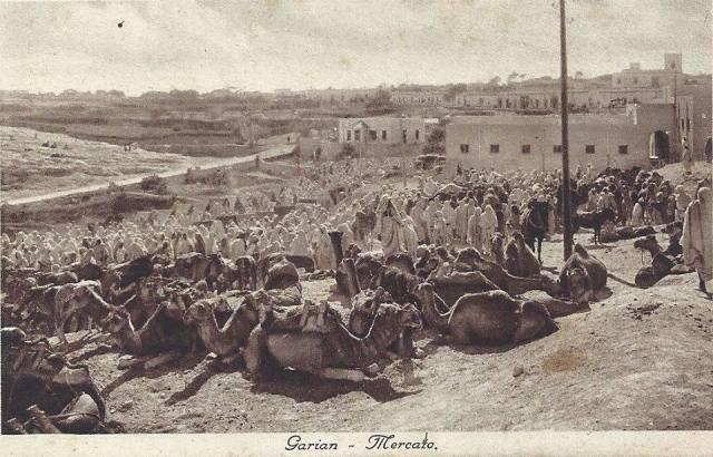 الصورة توضح سوق غريان الشعبي بتغسات سنة 1920
